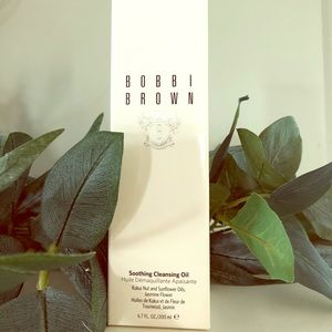 Bobbi Brown Soothing Cleansing Oil *New in Box*